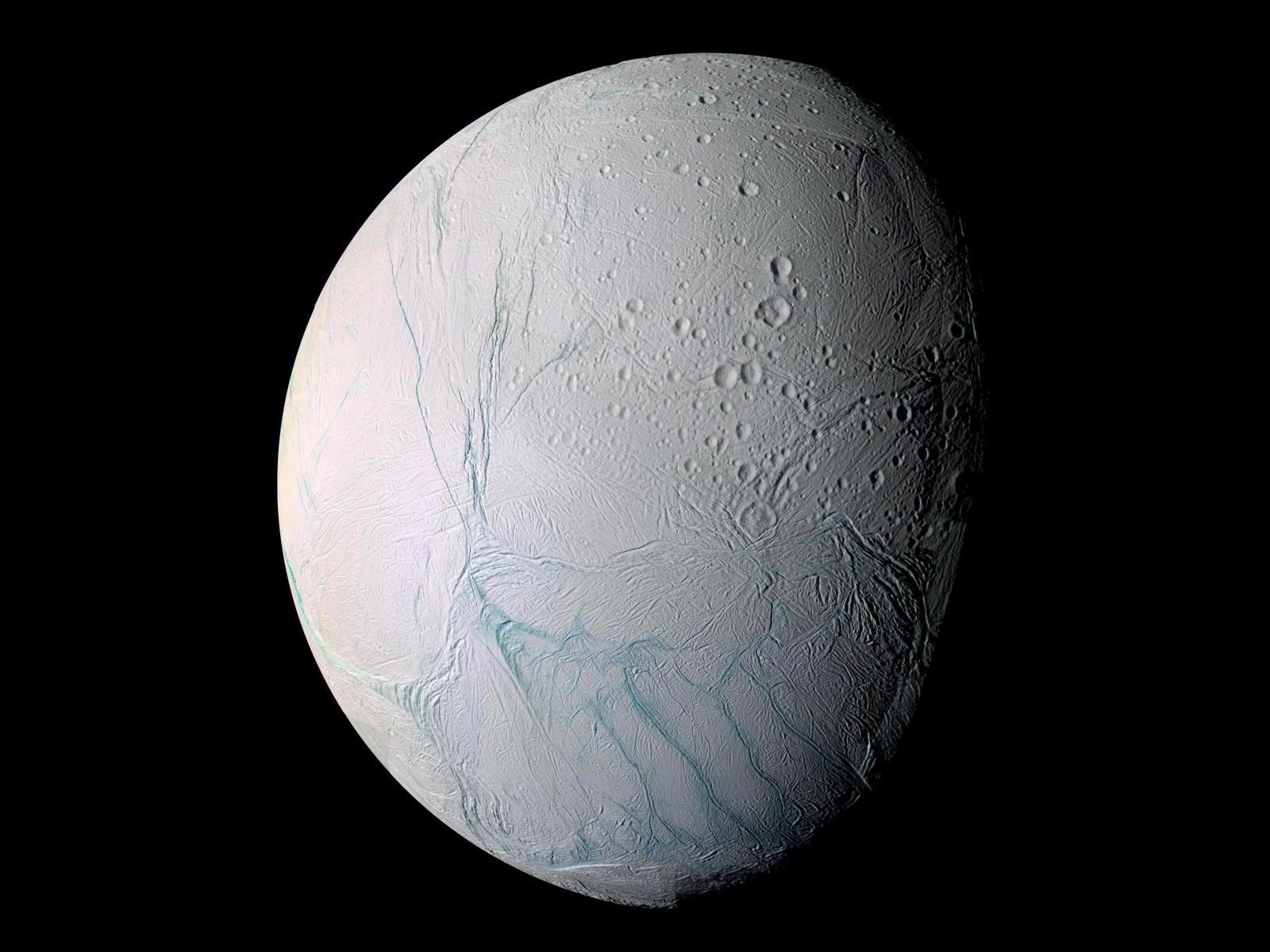 Спутник Сатурна Энцелад (4 фото)