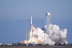 Запуск ракеты Антарес
