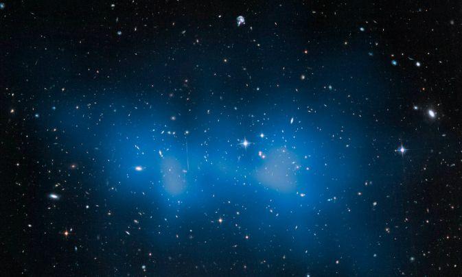 Телескоп Хаббл измерил массу галактического скопления El Gordo