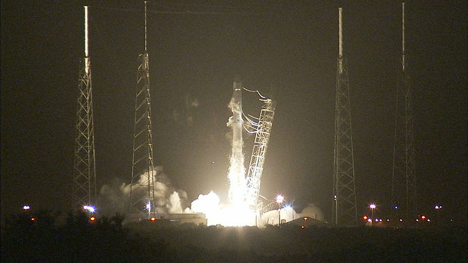 Грузовой космический корабль Dragon отправлен на МКС