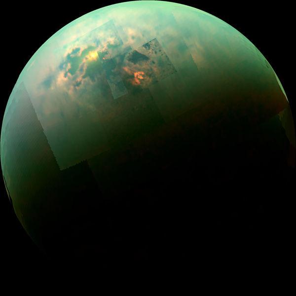 Космический аппарат Кассини смог увидеть освещенные Солнцем моря на Титане