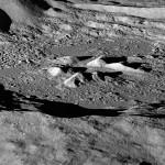 Найдено большое количество водорода в южных склонах Лунных кратеров