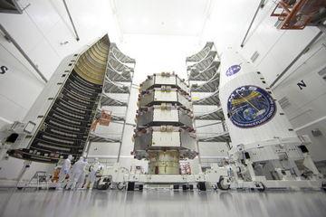 Сегодня в четверг 12 марта НАСА запустили4 спутника для изучения магнитного поля Земли
