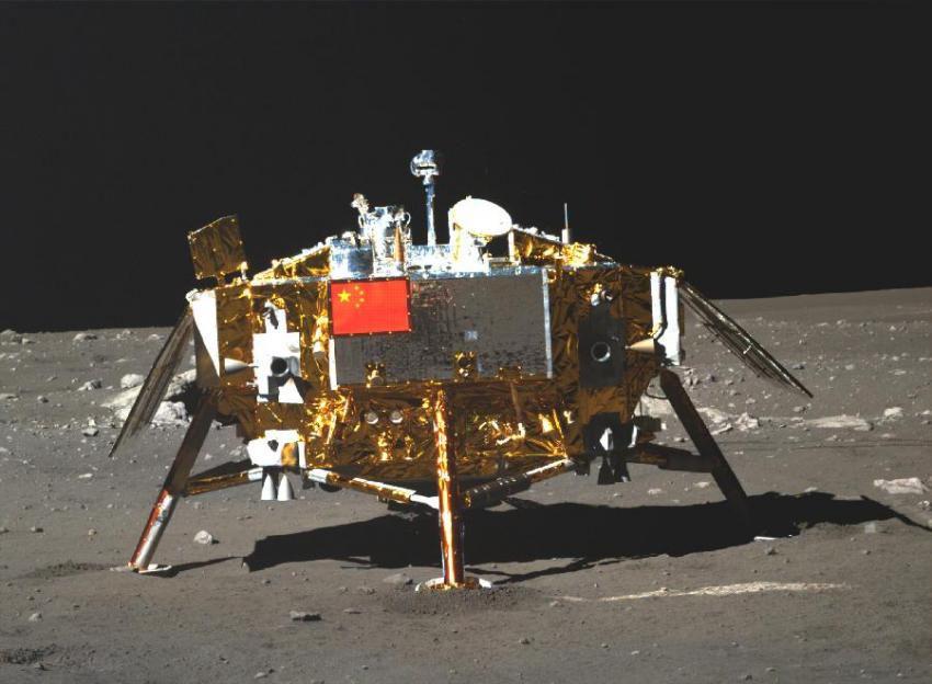Китайский лунный аппарат открыл, что структура Луны сложнее, чем считалось раннее