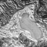 Зонд НАСА сделал снимок замерзшего озера на Плутоне